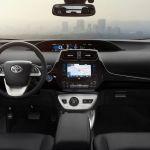 Innenraum des Toyota Prius IV (US-Spezifikation)